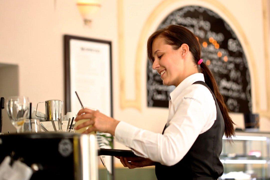Glückliche Mitarbeiter im Restaurant