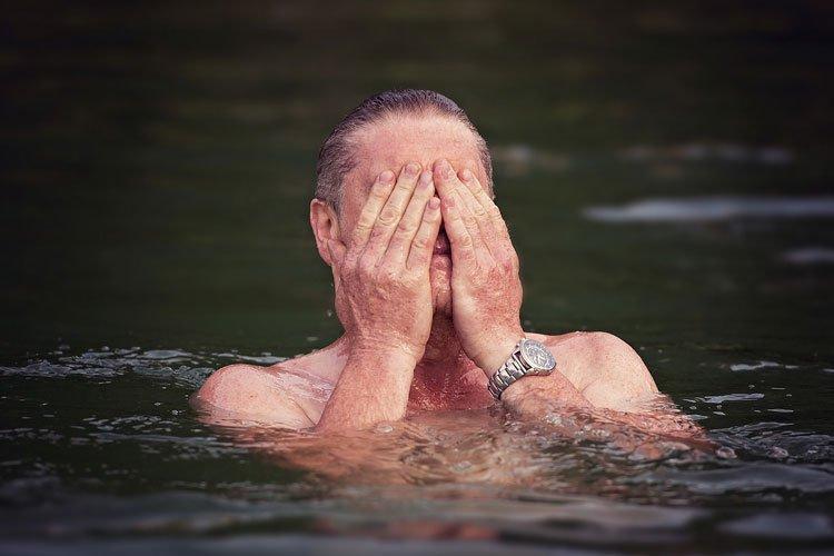 Als Alternative zum Joggen eignet sich beispielsweise Schwimmen