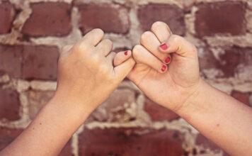 Versprechen den Weg zum Idealgewicht gemeinsam zu gehen