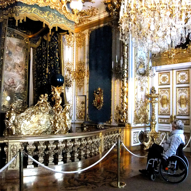 Das Schlafzimmer von König Ludwig II. im Schloss Herrenchiemsee