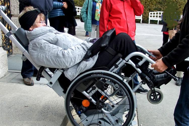 Mit dem Rollstuhl zum Schloss Linderhof von König Ludwig II.