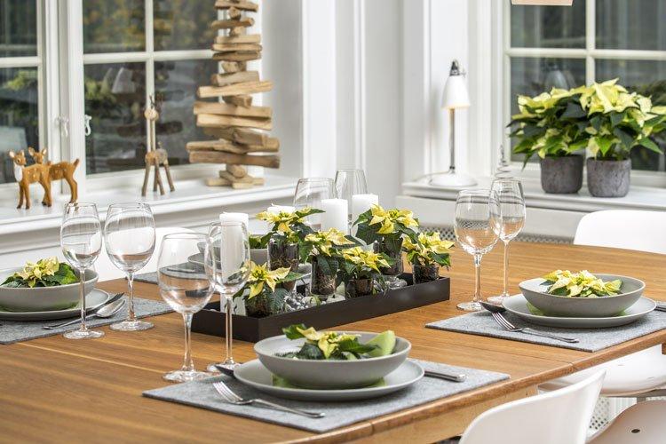 Tisch-Adventsdekorationen