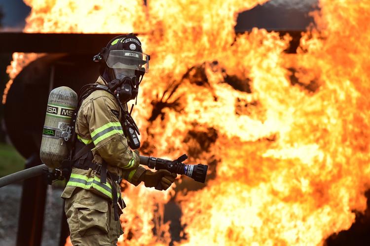 Feuerwehrmann in Aktion