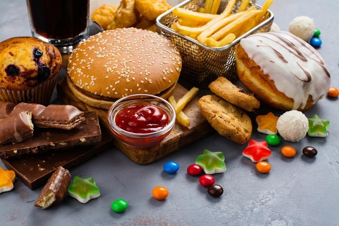 Emotionales Essen: Binge-Eating-Störung - essen bis alles weg ist