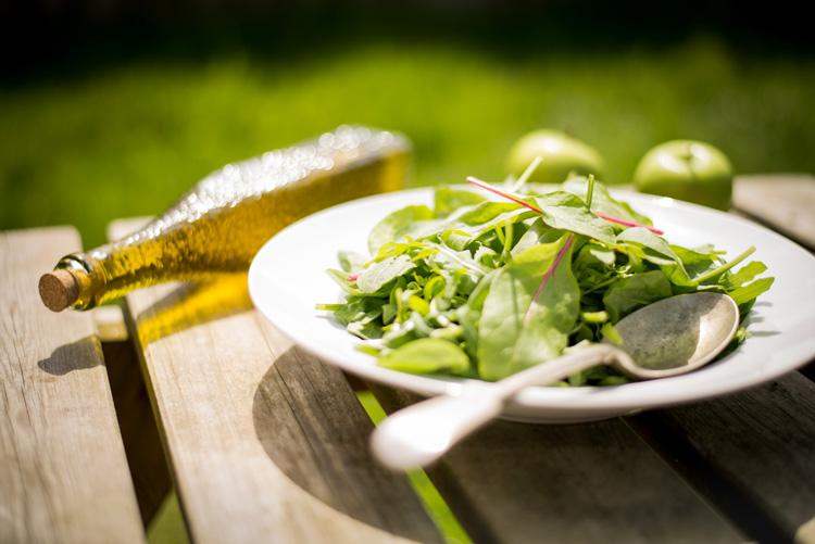 Baby-Leaf Salatteller garniert