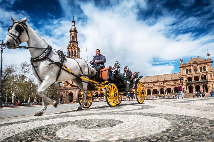 Ostern nach Sevilla