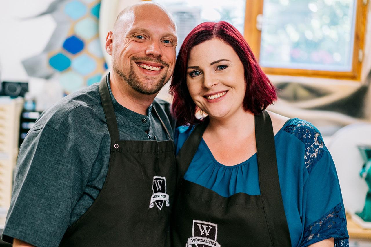 Yves und Tania in der Gewürz-Manufaktur