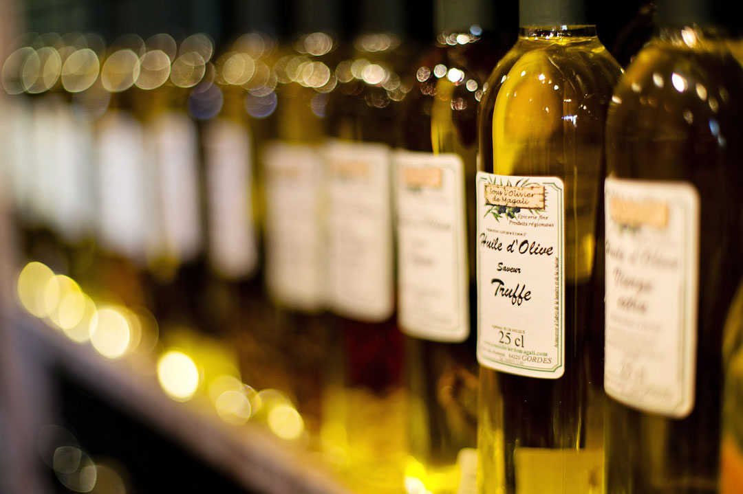 Gesunde Öle wie Rapsöl oder Olivenöl