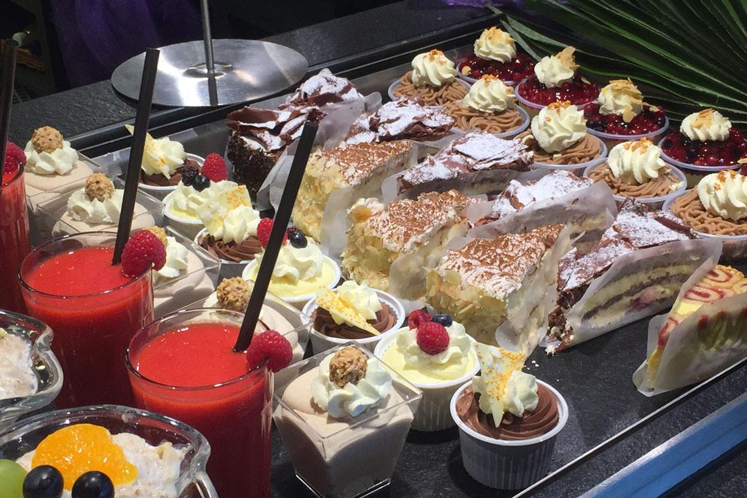 Dessertbuffet mit Süßspeisen
