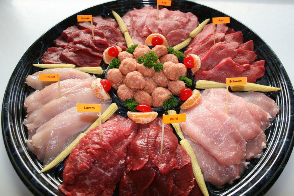 Fleischplatte zum Raclette
