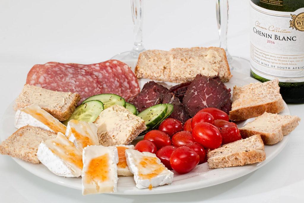 Canapé und kleine Häppchen regulieren den Appetit und helfen beim Abnehmen.