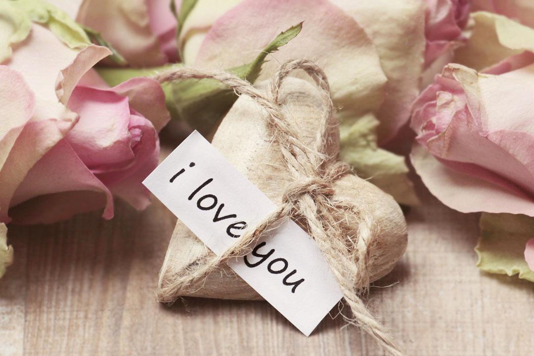 Geschenke erhalten die Freundschaft und Liebe