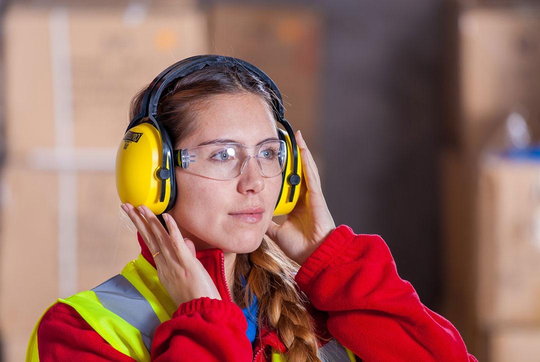 Arbeitskleider schützen die Mitarbeiter
