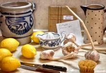 Zitronen, Konblauch und Zutaten für die Kur