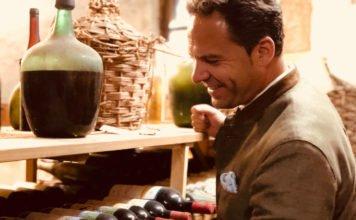 Direktor Christian Hollweck: Französische Rotweine im Brauereigasthof Hotel Aying