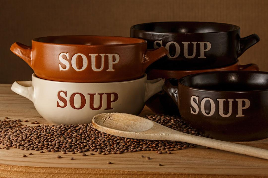 Linsen werden oft in Suppen verwendet.