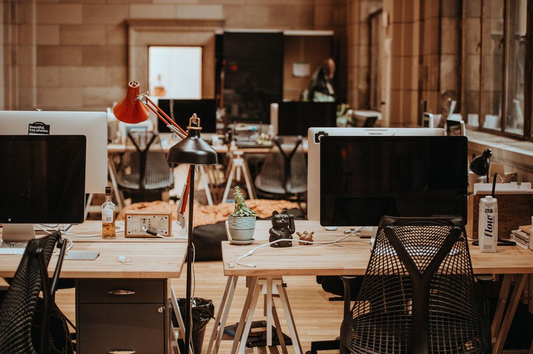 Führungskräfte sehen Start-up-Unternehmen als Alternative zu langjährig etablierten Unternehmen.