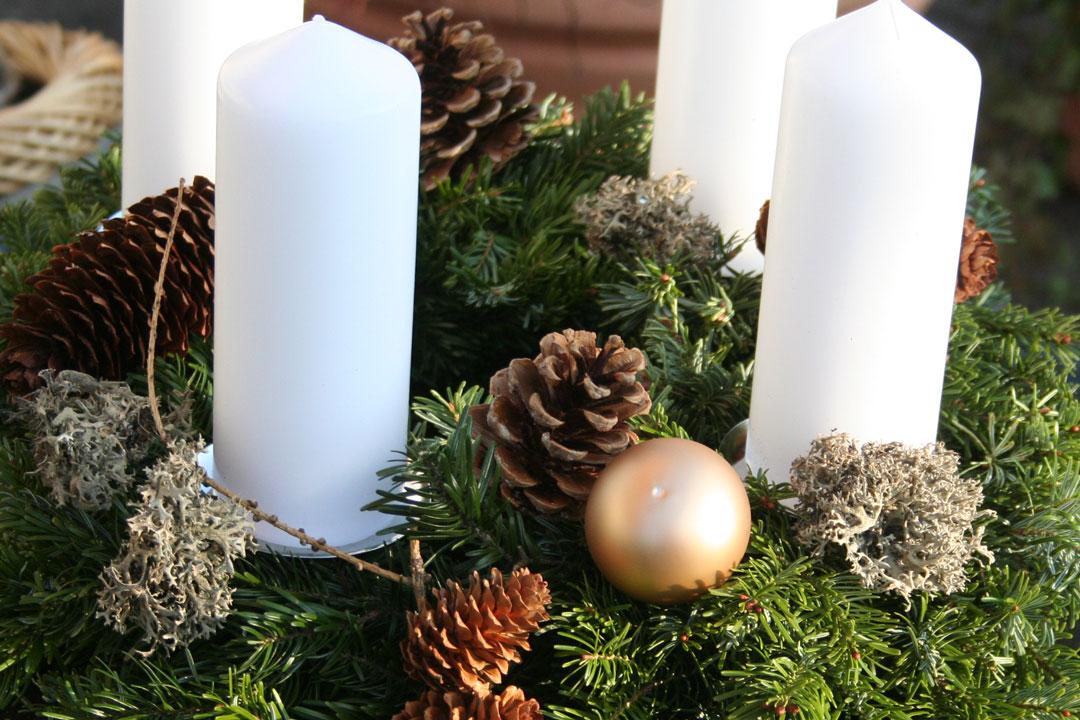 Fertig dekorierter Adventskranz - Die Adventszeit kann kommen!