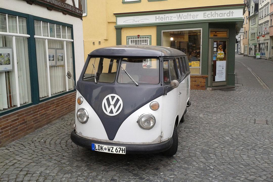 Mit dem VW-Bus (Bulli) auf dem Weg nach Südtirol.