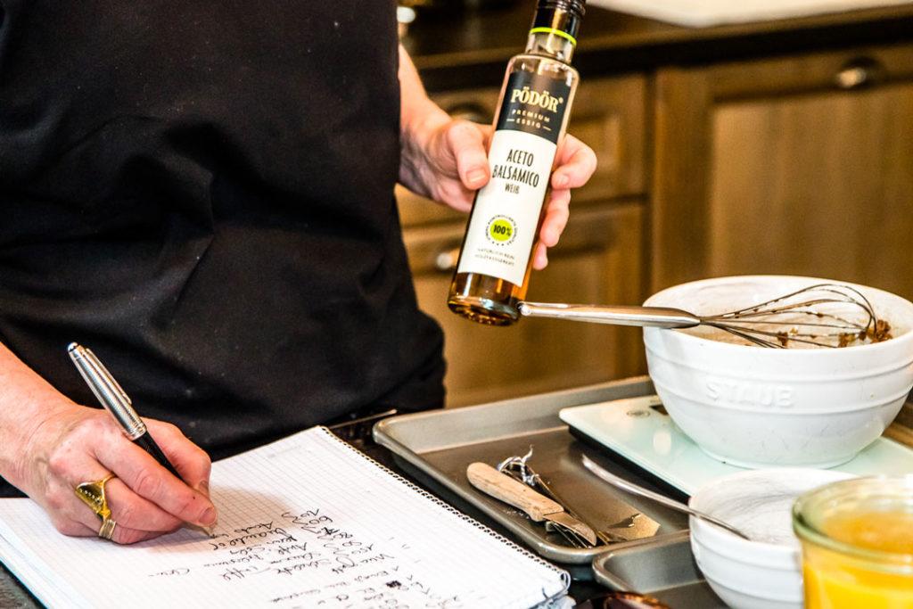 «Ich schreibe für Menschen, die Lust haben zu kochen», sagt Su Vössing. Ihre Zutatenlisten sind daher nie zu lang und die Produkte leicht einzukaufen.