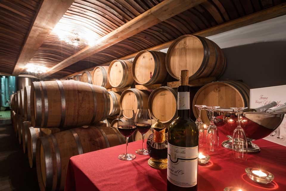 Weinwissen: Das Barrique ist ein Eichenfass, das heute vor allem zum Ausbau des Weines, aber auch von Whisky und Bier dient.