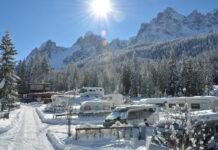 Winter-Camping im Schnee