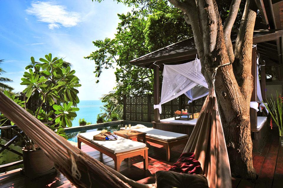 Das Eco-Resort Thongsai Bay auf Koh Samui inmitten von Bäumen und Wald