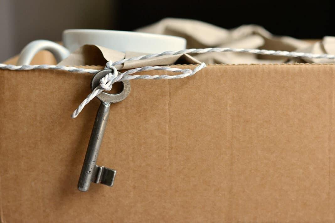 Kisten sind für den Umzug voll gepackt