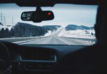Innenansicht auf der Fahrt in den Winterurlaub