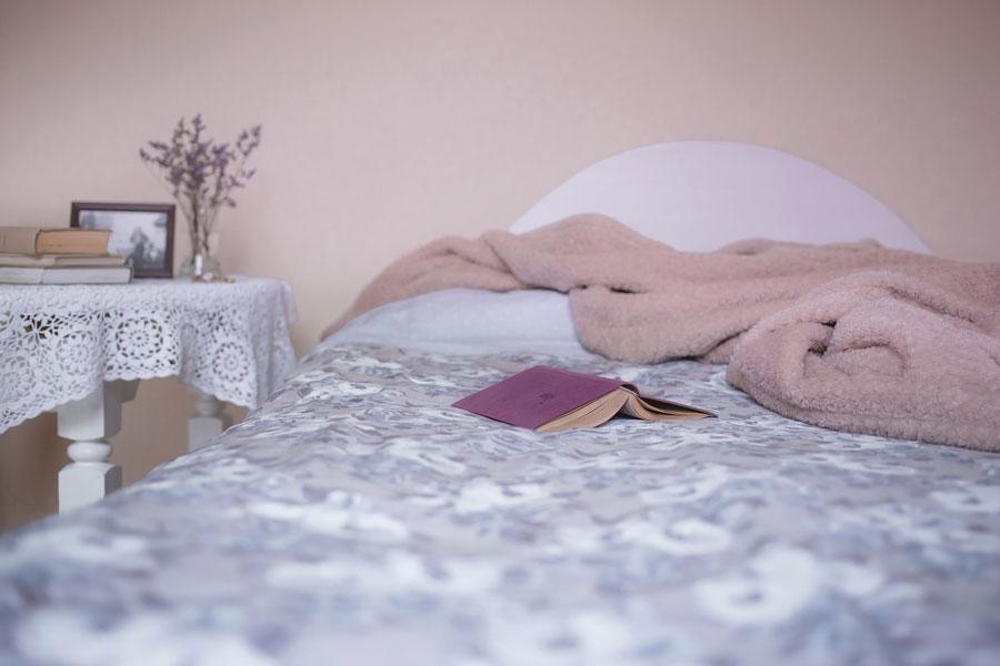 Gegen Schlafmangel hilft genügend Schlaf im Bett