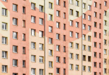 Hochhaus mit hunderten Wohneinheiten