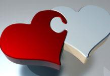 Ein rotes und ein weisses Herz als Symbol für gemeinnützige Herzensanliegen