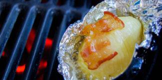 Folienkartoffel auf dem Grill