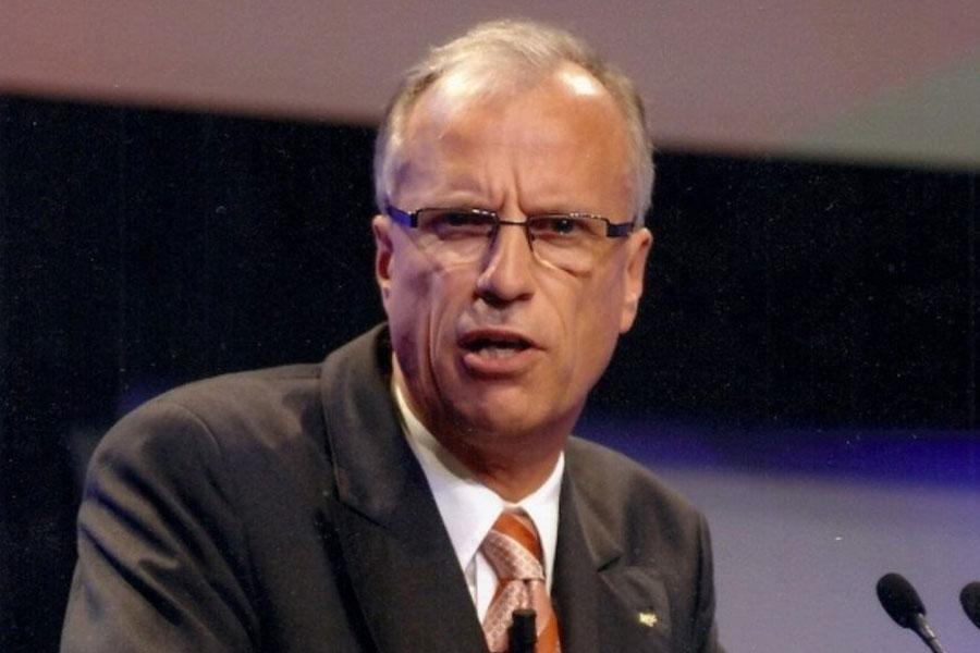 Hermann-Josef. Kracht vertritt an einem Kongress die Interessen der Leenskenner