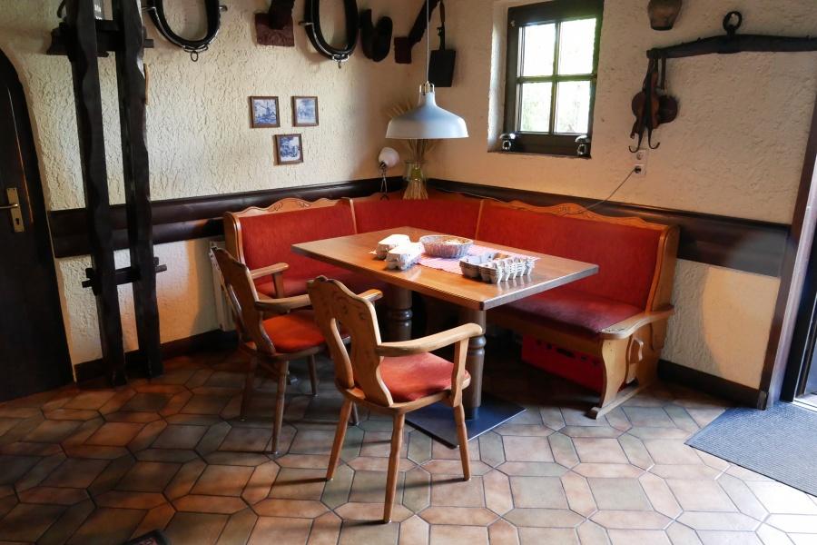Sitzecke im Restaurant Mühle in Born