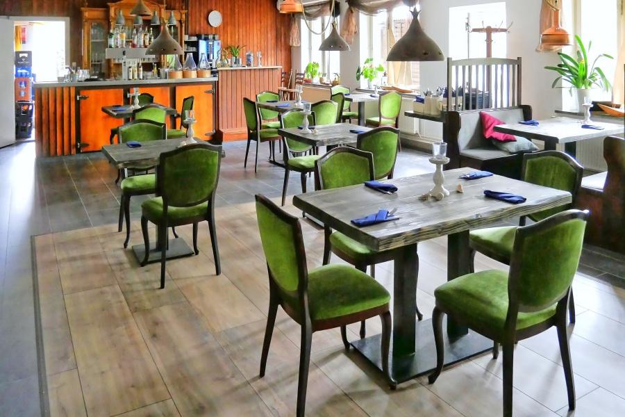 Gastraum des Restaurants Rieming in Born
