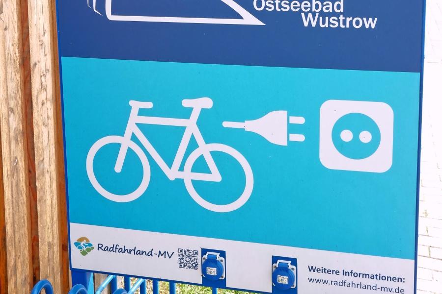 Stromtankstelle für E-Bikes und E-Rollis