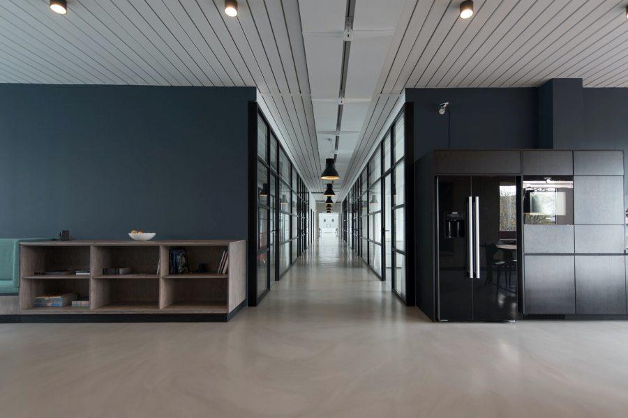 Verwaistes Foyer eines Büros